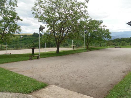 Terrain de boules : la longue